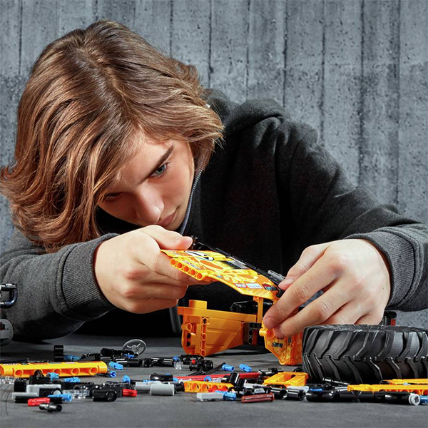 Save on LEGO Technics at Argos
